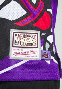 Mitchell & Ness - NBA TORONTO RAPTORS BIG FACE - Klubové oblečení - purple - 5