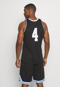 Mitchell & Ness - CORE - Top - black - 2