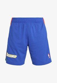 Mitchell & Ness - NBA DENVER NUGGETS SWINGMAN SHORT - Pantalón corto de deporte - royal/multi - 5