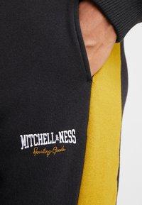 Mitchell & Ness - PANELED - Verryttelyhousut - black - 5