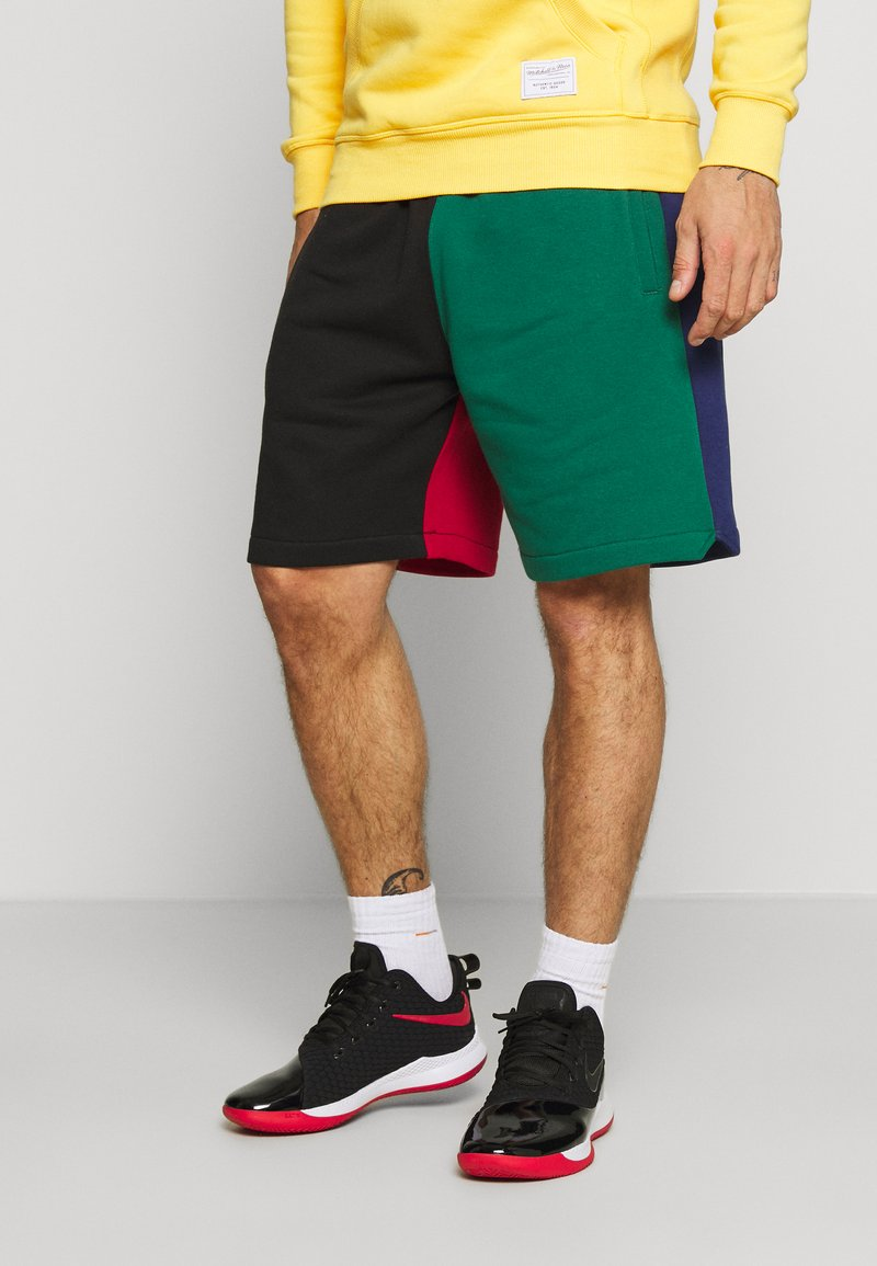 Mitchell & Ness - COLORBLOCKED - Sports shorts - dark green