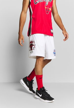 NBA CHICAGO BULLS TEAM LOGO SHORT - Krótkie spodenki sportowe - white