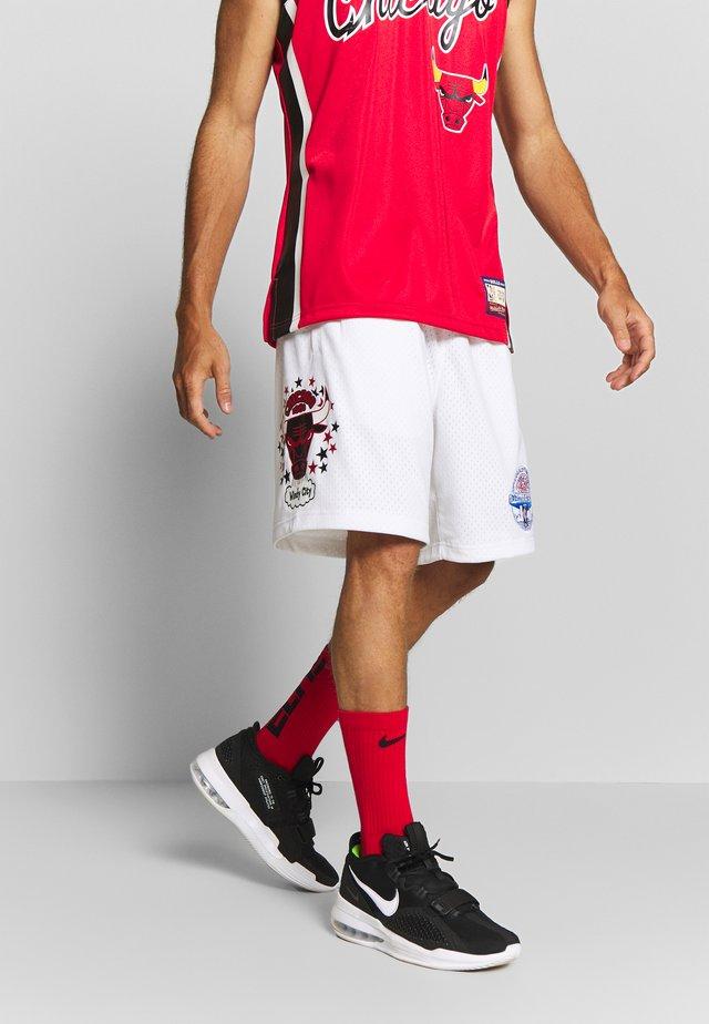 NBA CHICAGO BULLS TEAM LOGO SHORT - Korte sportsbukser - white
