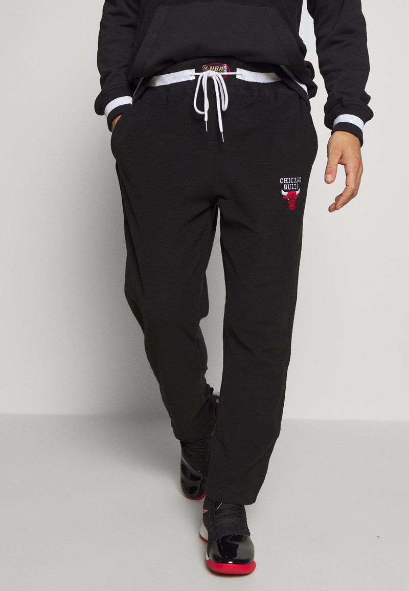Mitchell & Ness - NBA CHICAGO BULLS REVERSED TEARWAY PANT - Klubové oblečení - black