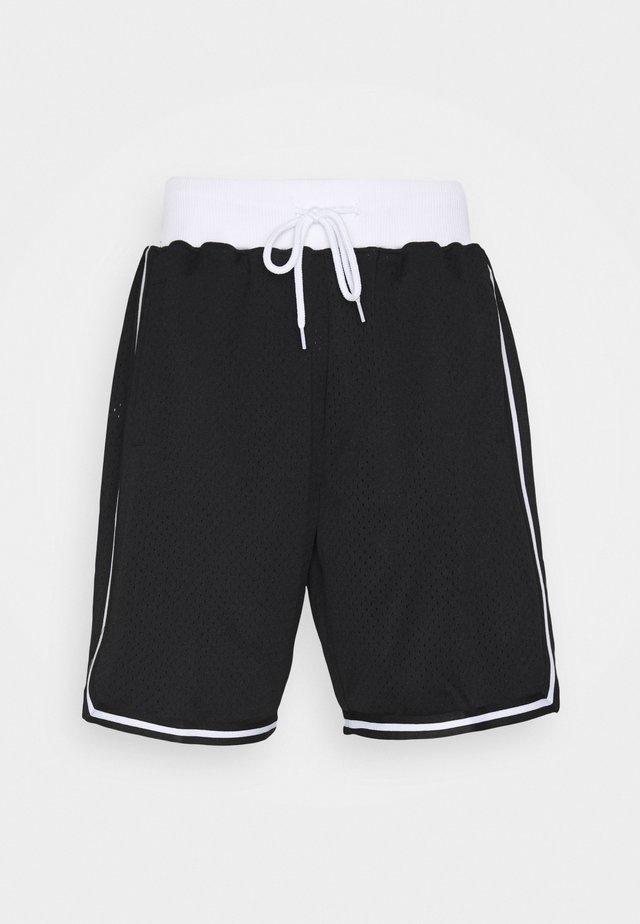 CORE SHORT - Korte broeken - black