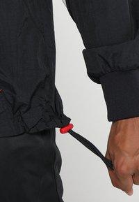 Mitchell & Ness - NBA CHICAGO BULLS HALF ZIP ANORAK JACKET - Trainingsvest - black/red - 3