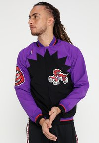 Mitchell & Ness - TORONTO RAPTORS NBA  - Sportovní bunda - black/ purple - 0