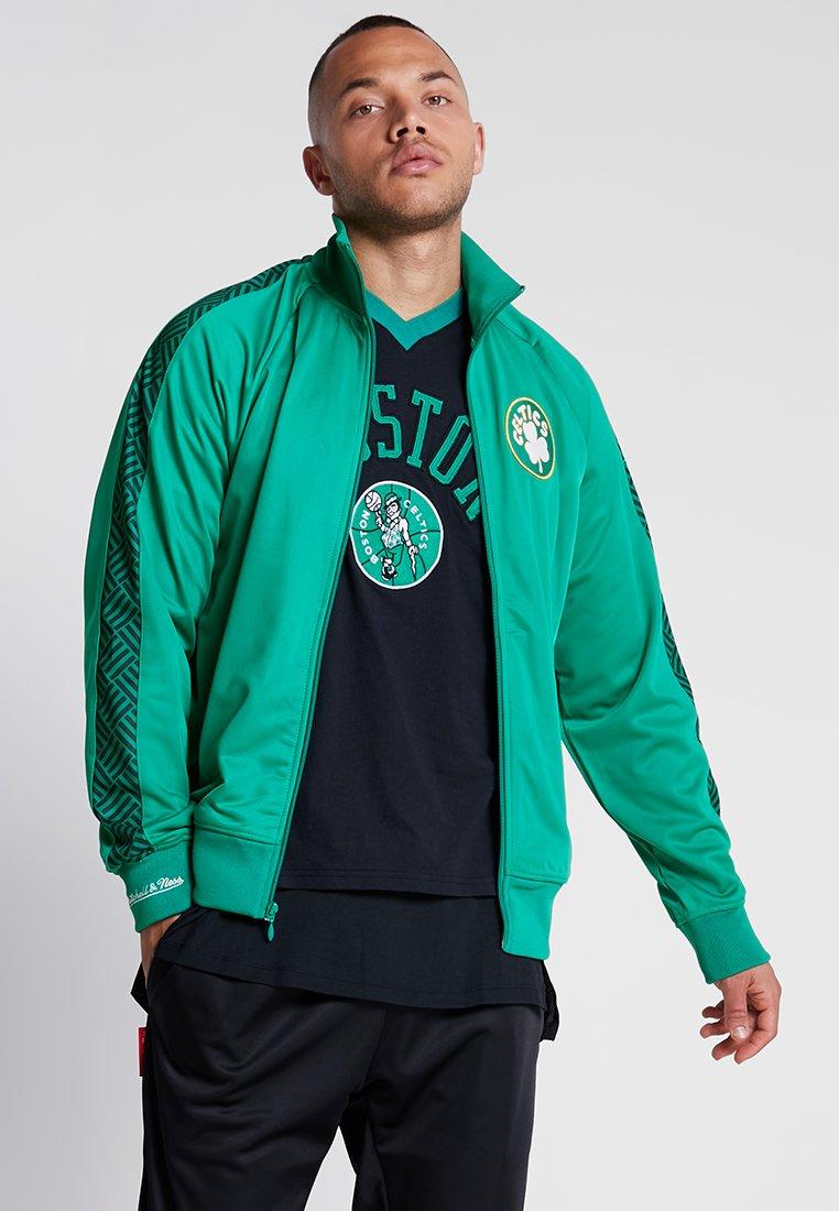 Mitchell & Ness - NBA BOSTON CELTICS TRACK JACKET - Vereinsmannschaften - green