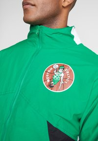 Mitchell & Ness - NBA BOSTON CELTICS MIDSEASON 2.0 - Verryttelytakki - green - 7