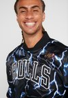 Mitchell & Ness - CHICAGO BULLS NBA LIGHTNING JACKET - Club wear - black