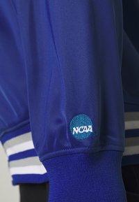 Mitchell & Ness - NCAA DUKE BLUE DEVILS TRACK JACKET - Klubové oblečení - royal - 6