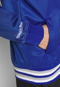 Mitchell & Ness - NCAA DUKE BLUE DEVILS TRACK JACKET - Klubové oblečení - royal - 4