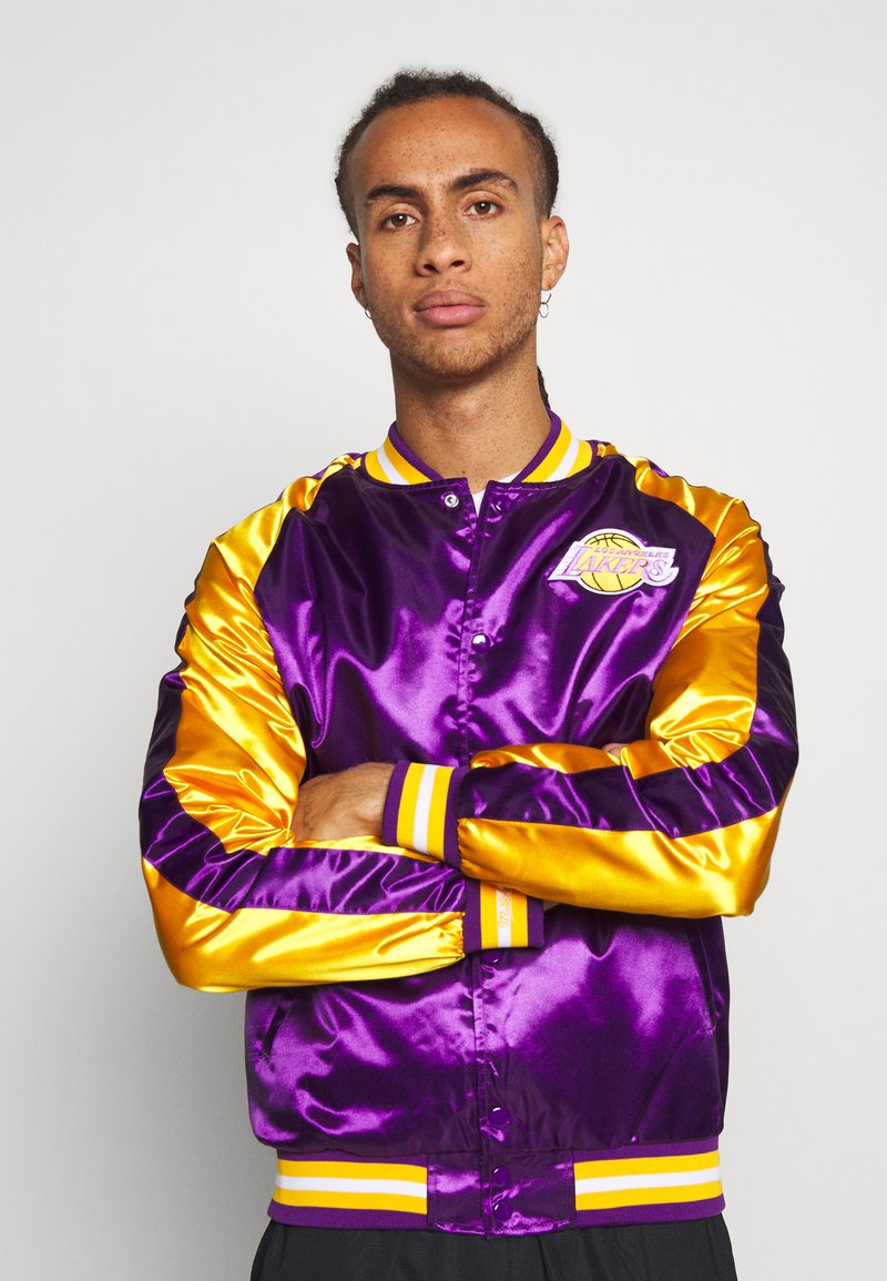 Mitchell & Ness - NBA LOS ANGELES LAKERS COLOR BLOCKED JACKET - Fanartikel - purple