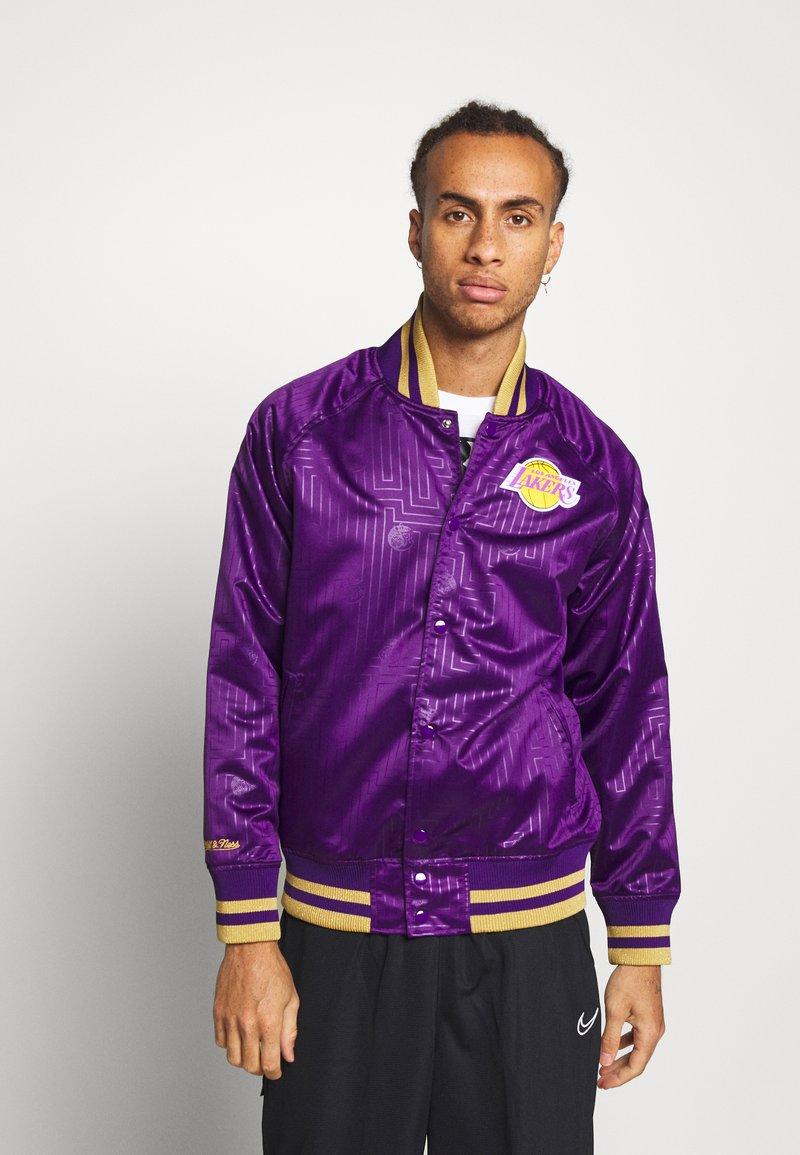 Mitchell & Ness - NBA LA LAKERS JACKET - Squadra - purple