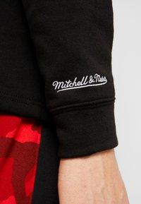 Mitchell & Ness - NBA CHICAGO BULLS HOCKEY HOODY - Article de supporter - black/red - 5