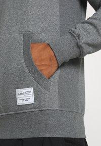 Mitchell & Ness - CLASSIC HOODIE - Mikina skapucí - grey heather - 5