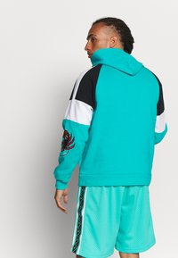 Mitchell & Ness - NBA VANCOUVER GRIZZLIES INSTANT REPLAY HOODY - Fanartikel - teal - 2