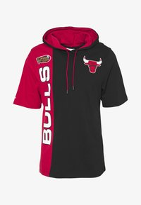 Mitchell & Ness - NBA CHICAGO BULLS SHORTSLEEVE SPLIT HOODY - Artykuły klubowe - black/red - 4