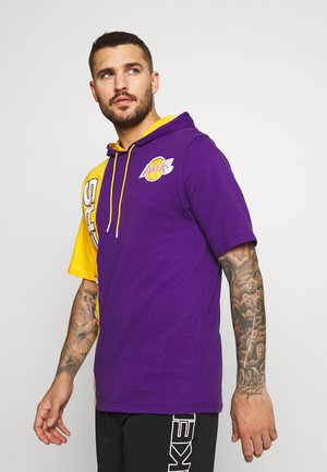 NBA LOS ANGELES LAKERS SHORTSLEEVE SPLIT HOODY - Artykuły klubowe - purple/gold