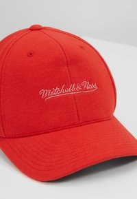 Mitchell & Ness - NBA OWN BRAND SNAPBACK - Casquette - red - 4