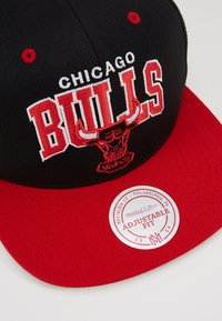 Mitchell & Ness - NBA CHICAGO BULLSTEAM ARCH TONE SNAPBACK - Keps - black/red - 5