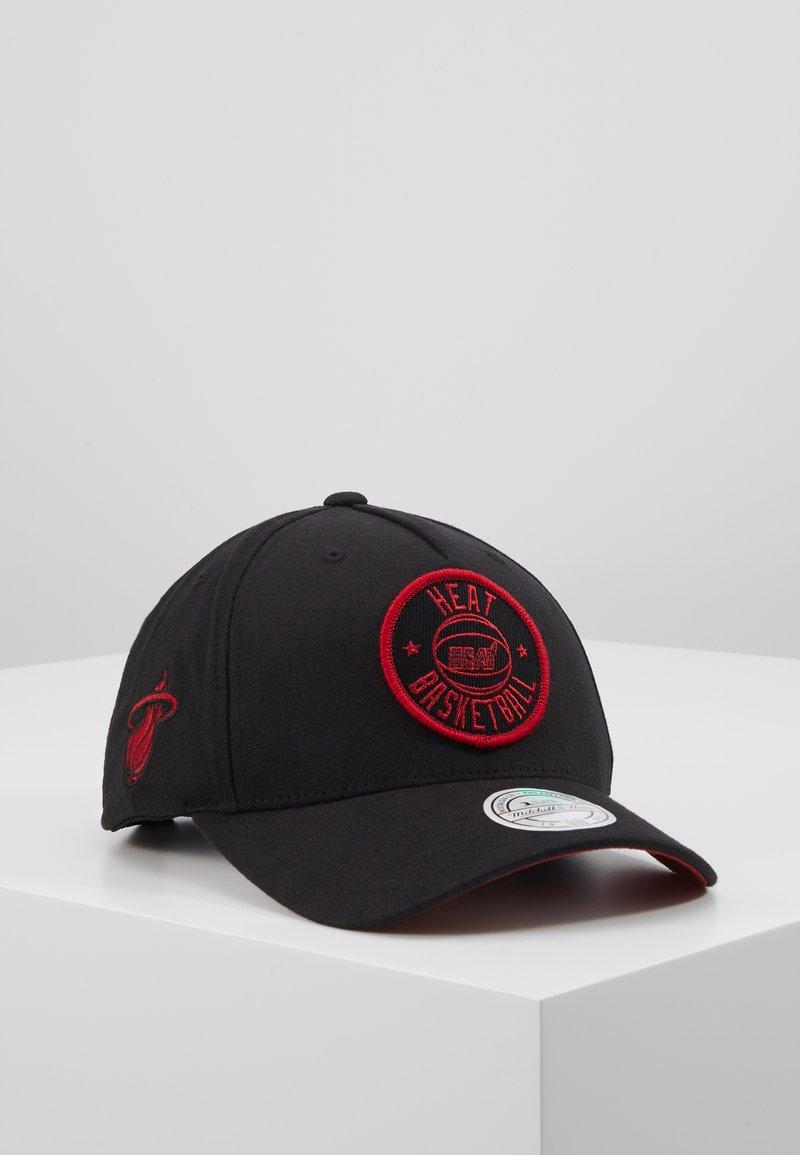 Mitchell & Ness - NBA VISION HIGH CROWN PINCH PANEL SNAPBACK MIAMI HEAT - Pet - black