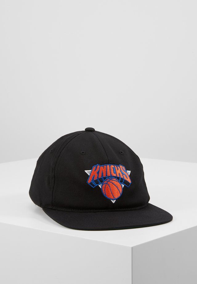 NBA TEAM LOGO DEADSTOCK THROWBACK SNAPBACK NEW YORK KNICKS - Kšiltovka - black