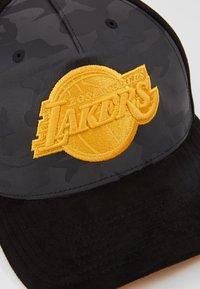 Mitchell & Ness - NBA REFLECTIVE SNAPBACKLA LAKERS - Kšiltovka - black - 3