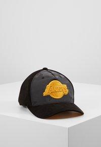 Mitchell & Ness - NBA REFLECTIVE SNAPBACKLA LAKERS - Caps - black - 1