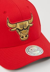 Mitchell & Ness - NBA BULLION SNAPBACKCHICAGO BULLS - Caps - red - 2