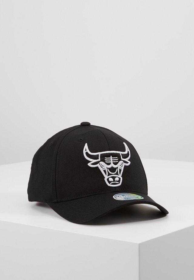 NBA CHICAGO BULLS BLACK AND WHITE LOGO 110 6 PANEL - Keps - black
