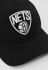 Mitchell & Ness - NBA BROOKLYN NETS BLACK AND WHITE LOGO PANEL - Kšiltovka - black - 2