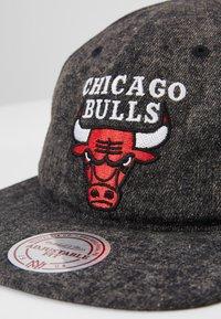 Mitchell & Ness - NBA CHICAGO BULLS RISE - Kšiltovka - blue - 2