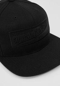 Mitchell & Ness - BOX LOGO SNAPBACK - Caps - black - 2