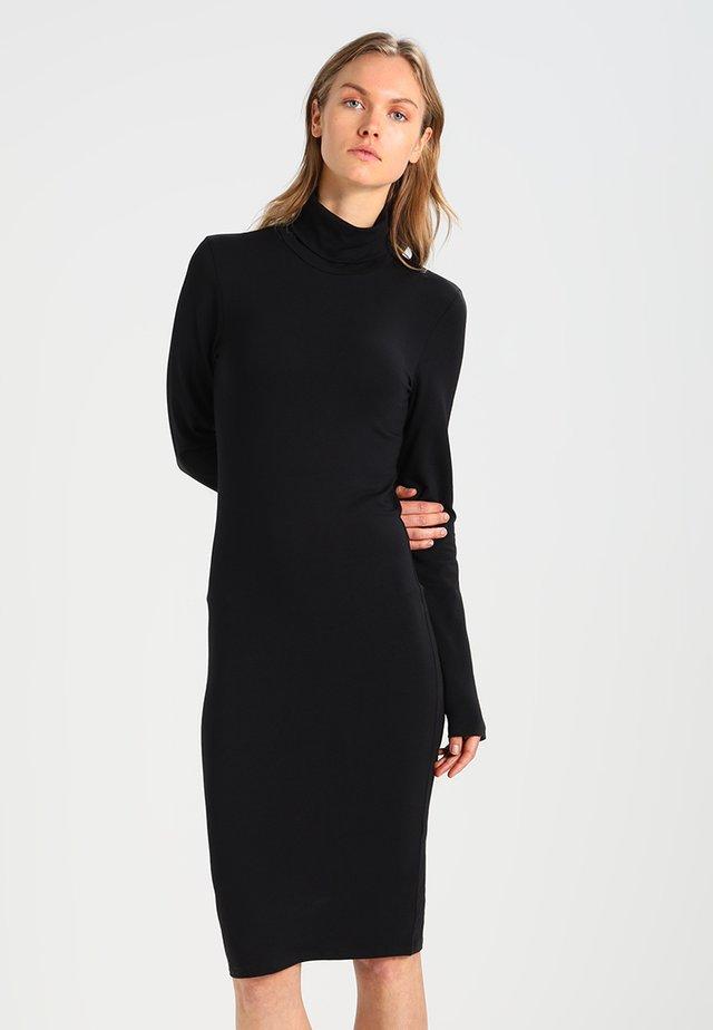 TANNER  - Sukienka etui - black