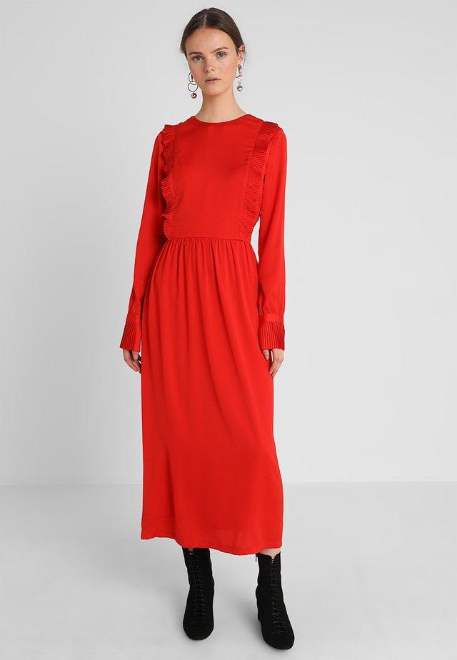 NOELLE DRESS - Maxikleid - fire red