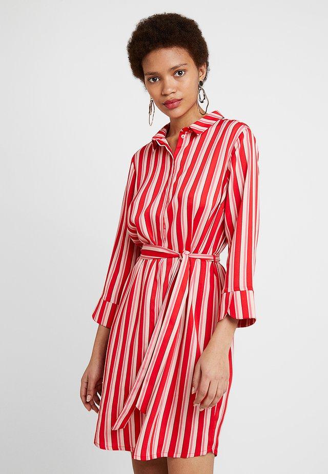 PRINT DRESS - Blusenkleid - red/pink