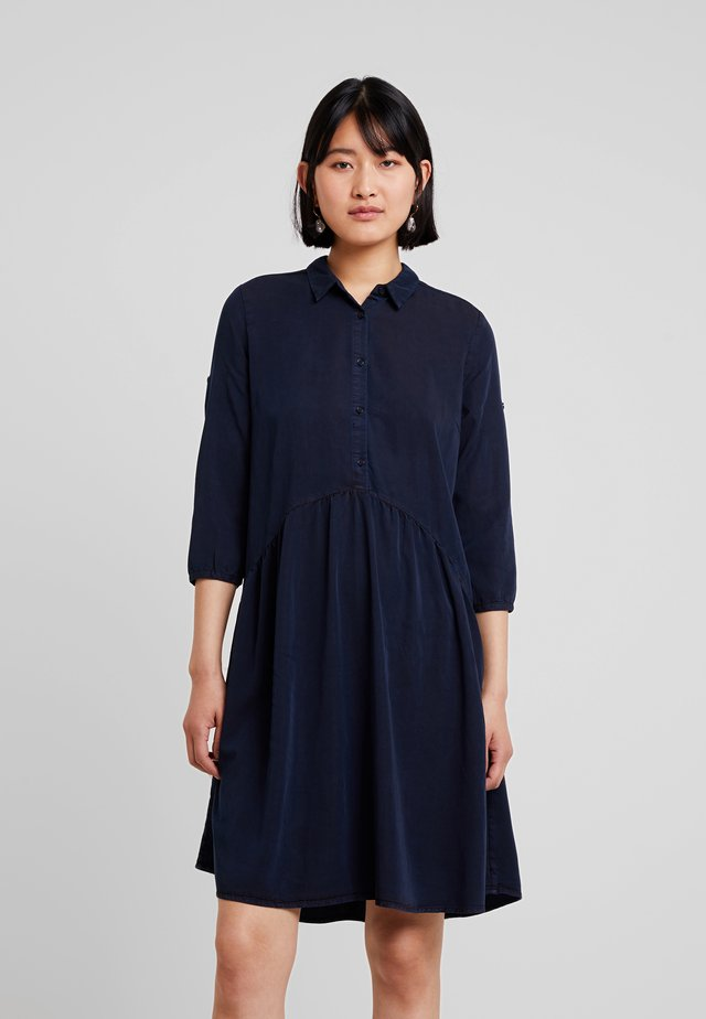 REMEE DRESS - Skjortklänning - navy sky