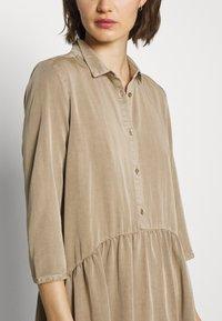 Modström - REMEE DRESS - Košilové šaty - cocoon sand - 4