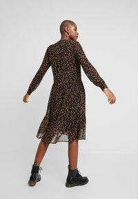 Modström - TANYA PRINT DRESS - Robe d'été - little flower - 3
