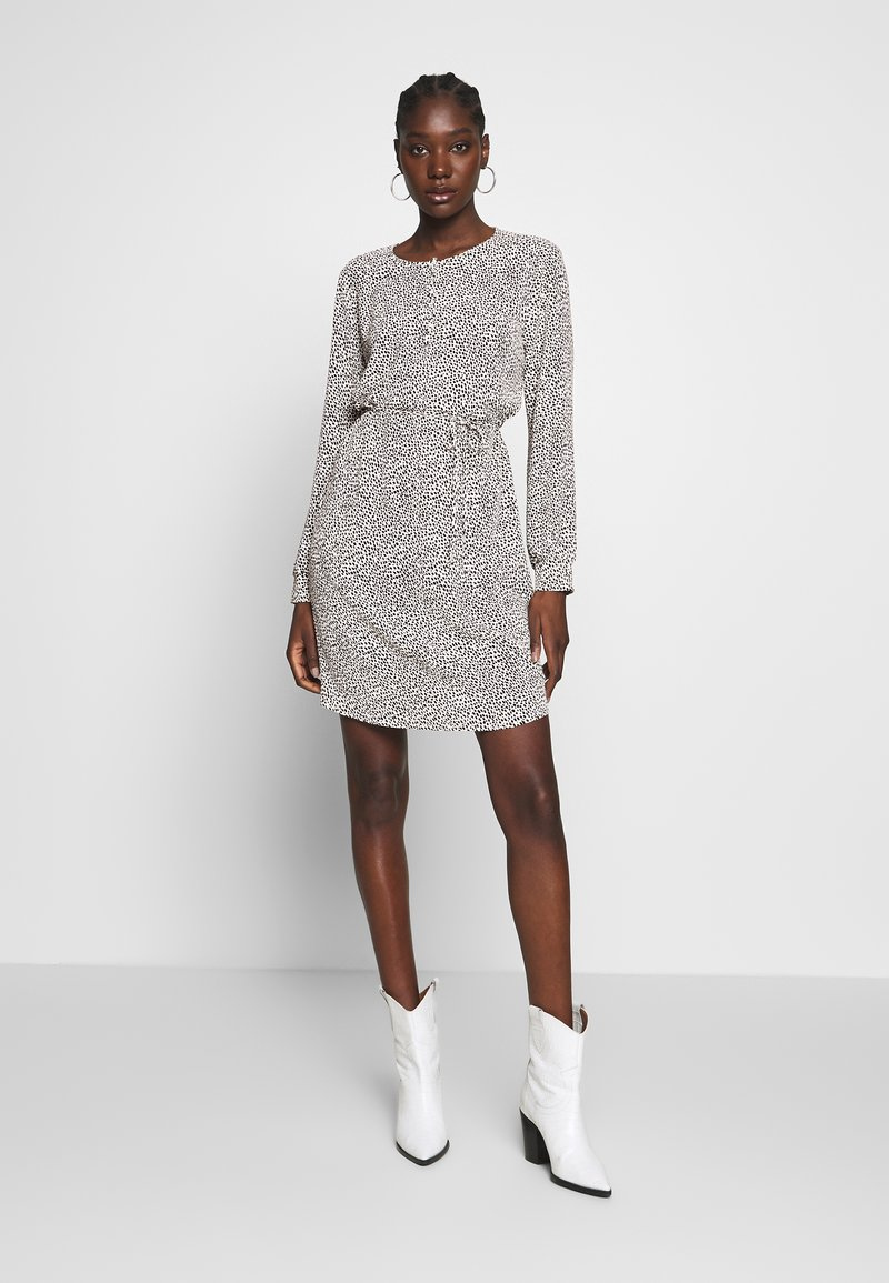 Modström BETH PRINT DRESS - Kjole - white