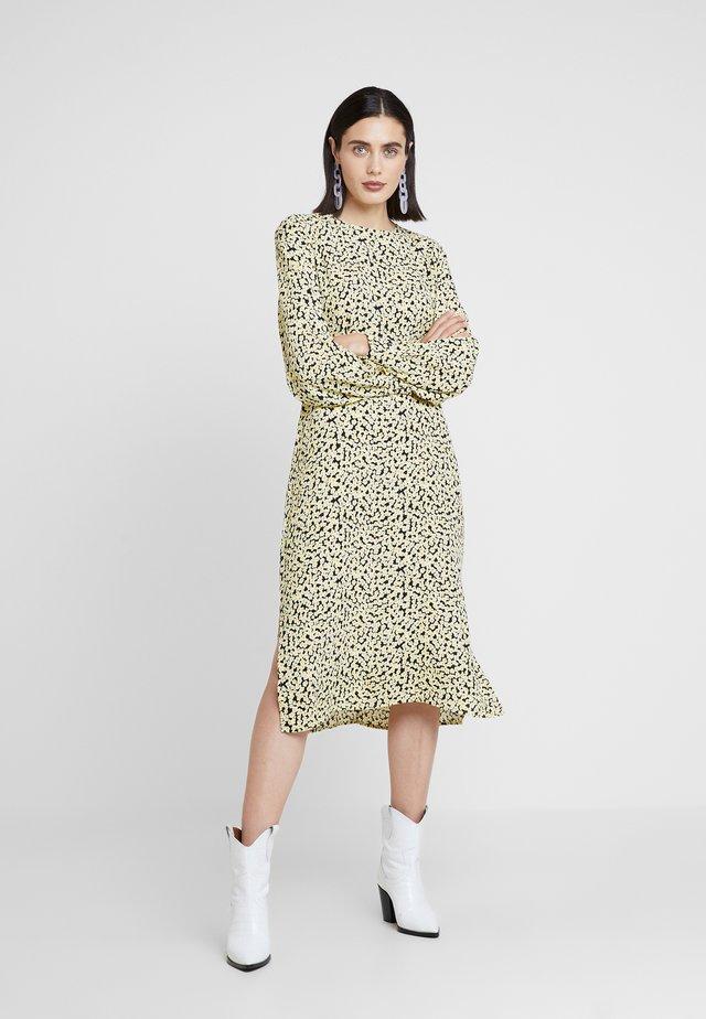 BERTA PRINT DRESS - Vapaa-ajan mekko - yellow