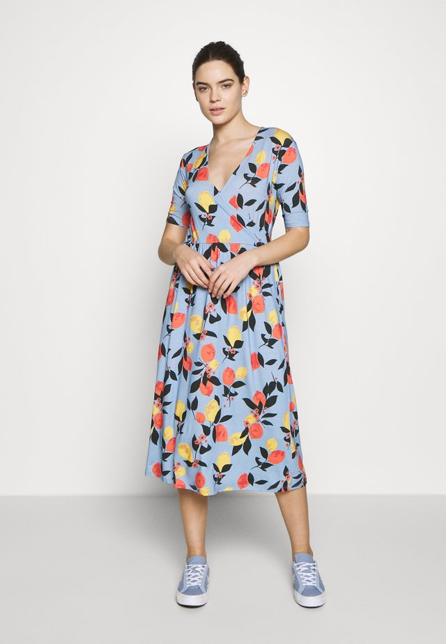 CALIA WRAP DRESS - Denní šaty - fruits