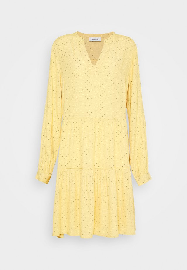 TINKA PRINT DRESS - Vardagsklänning - yellow