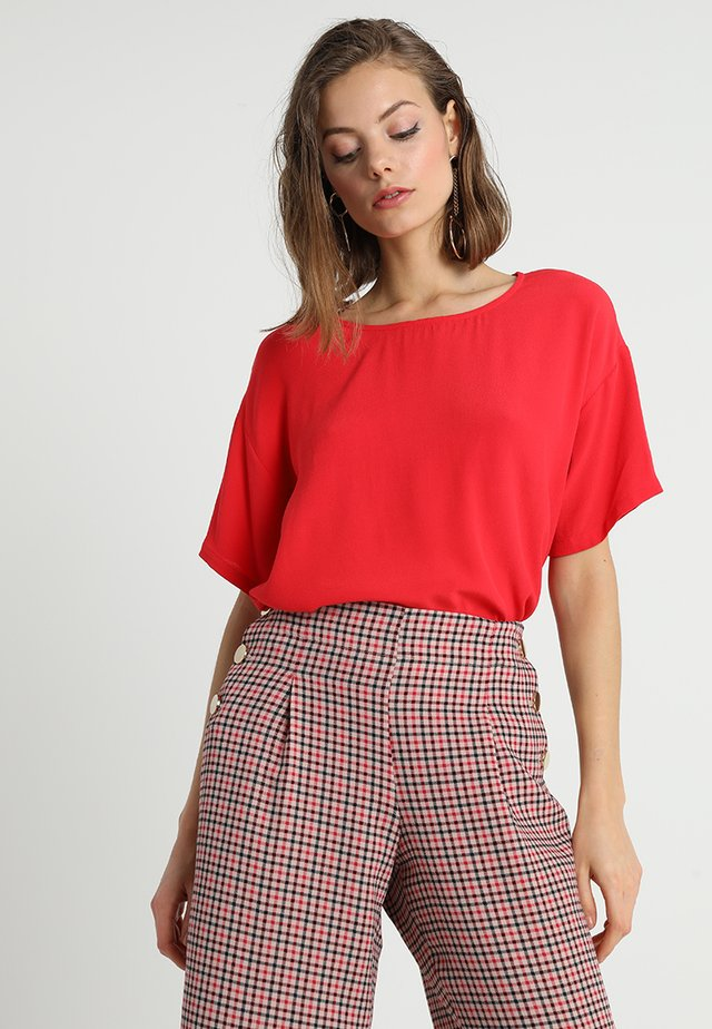GEO - Blouse - apple red