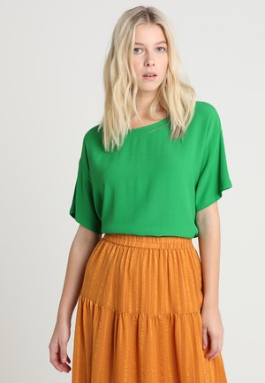 GEO - Bluser - fern green