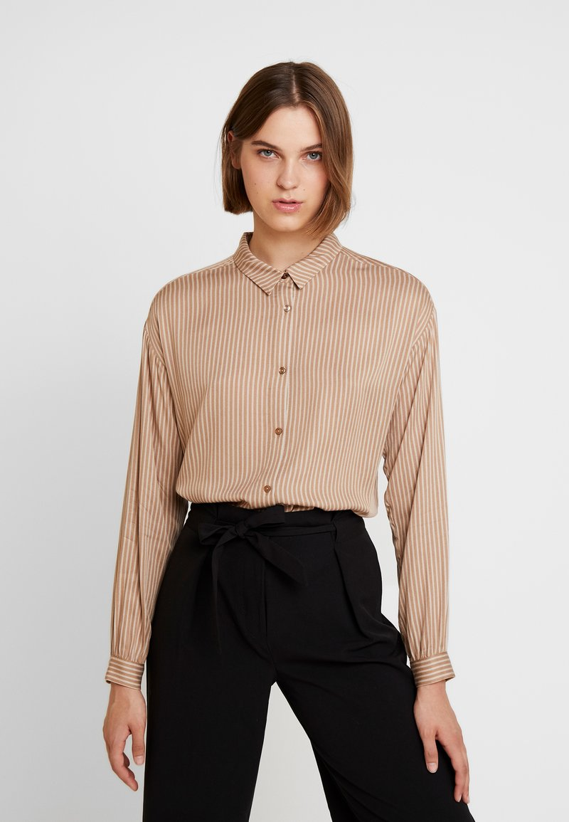 Modström - TAMIR PRINT - Button-down blouse - camel stripes