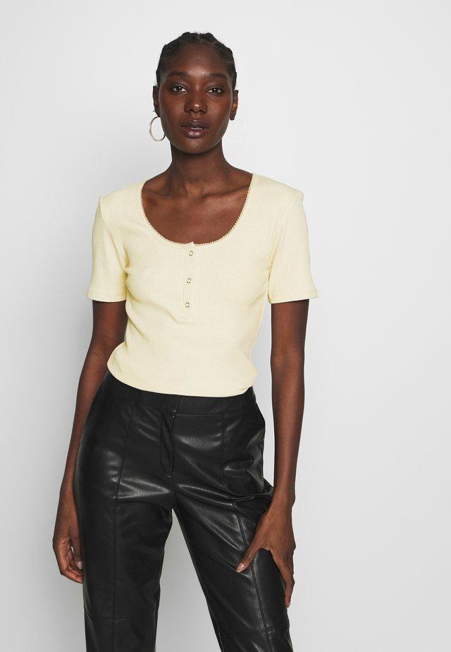 ORSON - T-shirts - light sand