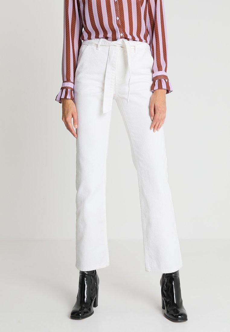 Modström - NARITA  - Jeans Straight Leg - off white