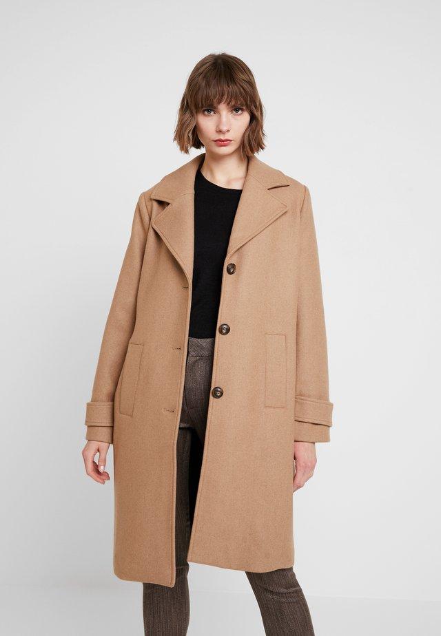PILOU COAT - Cappotto classico - camel